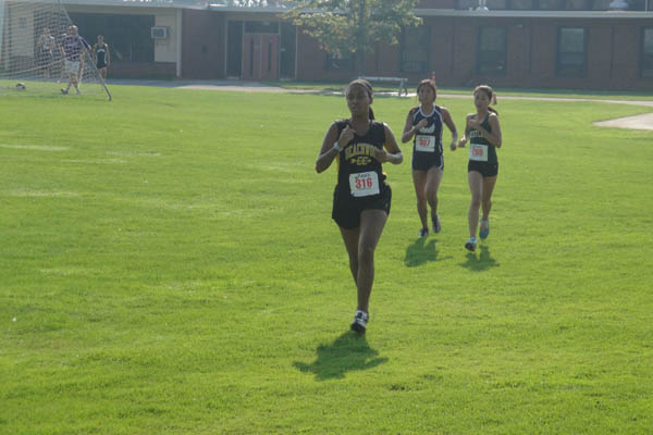 Cross Country Team Strives to Outpace Opponents