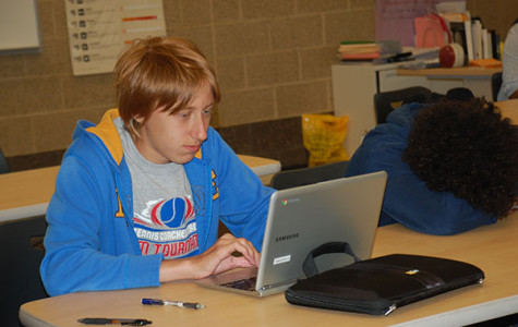 Chromebooks Increase Technology Use in Classrooms, Also Present Challenges
