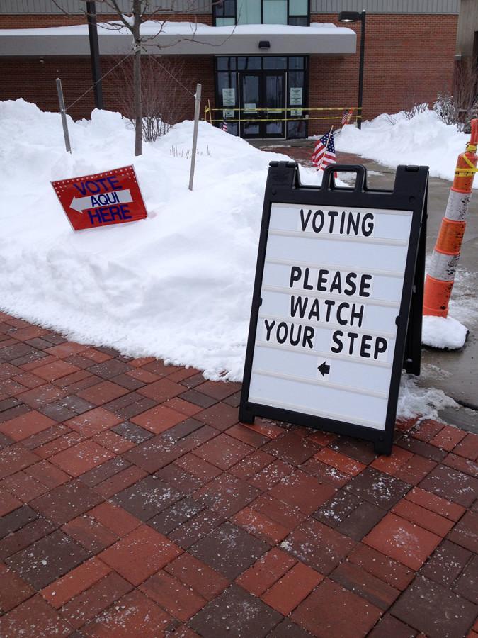 Beachwood voters cast their ballots on Feb. 3. Photo by Cathy Perloff.