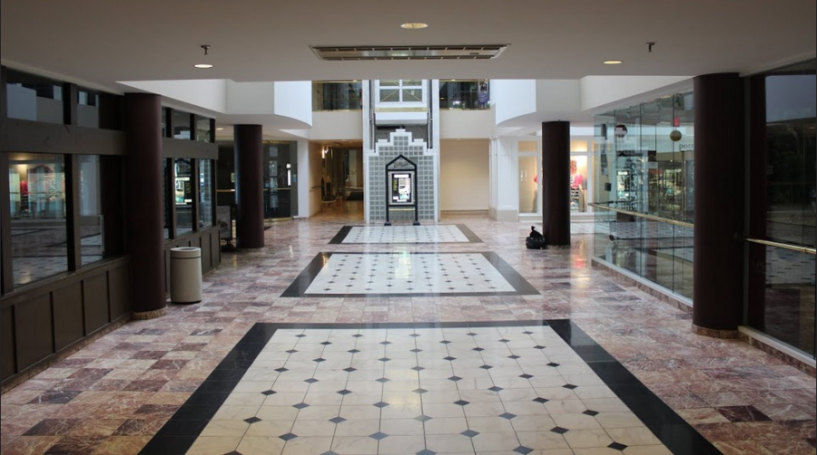 The interior halls of La Place were empty on a recent Saturday evening.