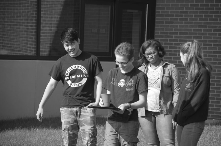 AP Government and AP Microeconomics students took part in a one-legged relay for team building. Photo by Ben Connor
