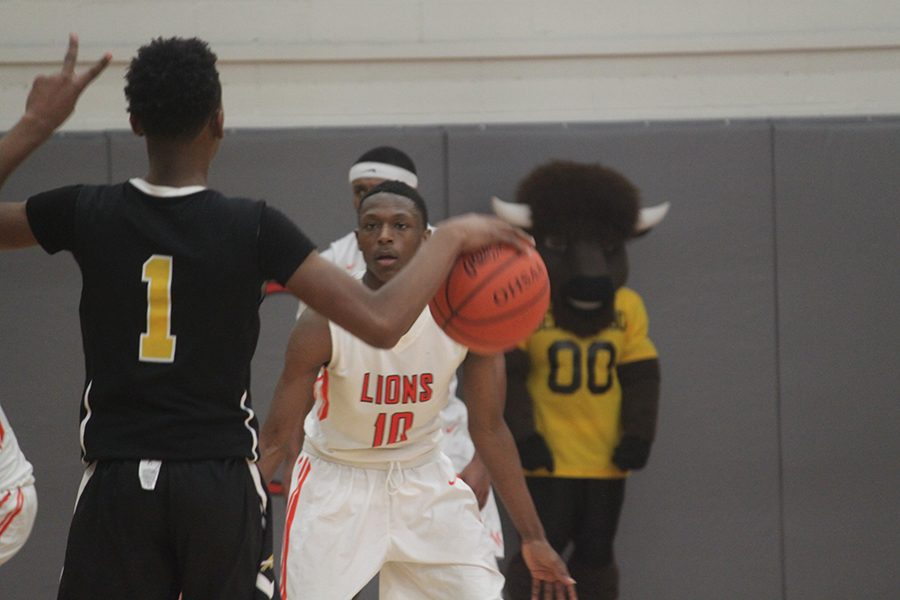 The Bison defeated the Orange Lions 76-67 on Jan. 10. Photos by Livia Eppell.