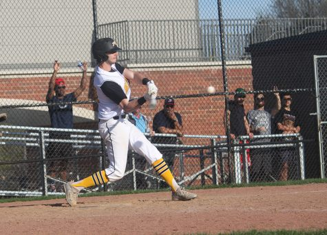 Baseball Team Opens Strong With Two Wins Against Perry, Drops Two to Orange