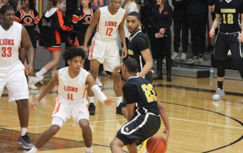 Boys Basketball Defeats Orange, Advances to 5-0