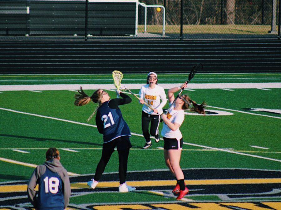 Captain Haleigh McPhillips reaches for the ball. Photo by Miranda Luxenburg