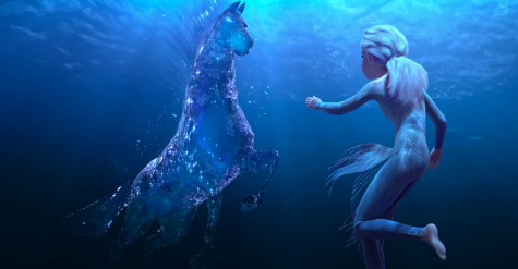 One mesmerising scene is the one in which  Elsa tames  the water spirit, which is in the form of a horse that appears while she swims through the Dark Sea.